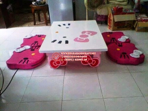 Meja Belajar Anak Hello Kitty Minimalis