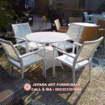 Set Kursi Makan Rotan Sintetis Putih Matahari