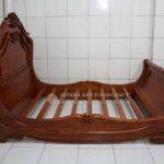 Tempat Tidur Klasik Mewah Noah