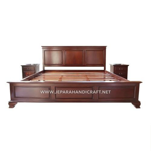 Tempat Tidur Jati American Style Elma