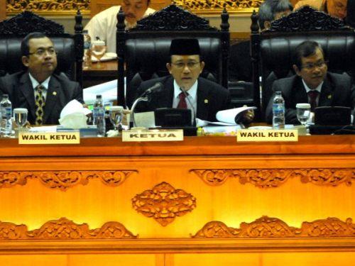 Jual Meja Sidang Pimpinan DPR RI Terpercaya