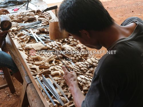 Ukiran Relief Jepara Ramayana Terbuat Dari Kayu Jati TPK Perhutani